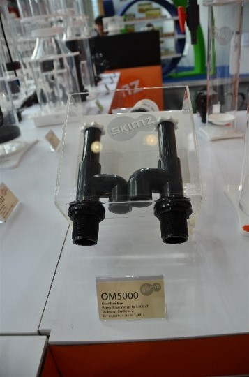 Skimz Protein Skimmer at Interzoo 2014 - OM5000 overflow box